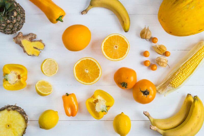 Frutas y verduras amarillas y naranjas